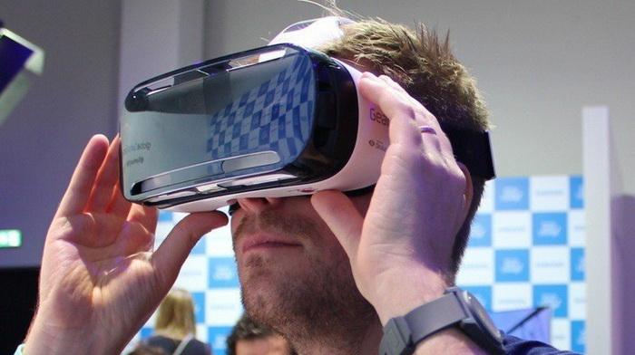Как называется очки виртуальной реальности для пк найти полный комплект разноцветных наклеек mavic